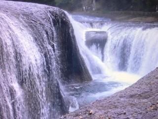 吹き割の滝.jpg